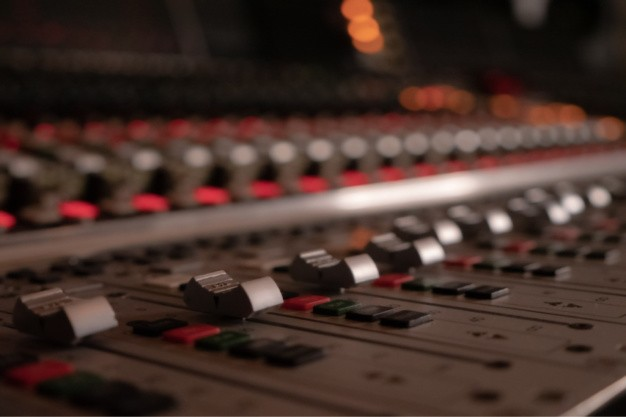 red and grey mixing board